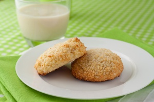 5-Ingredient-Chewy-Vanilla-Coconut-Cookies-3